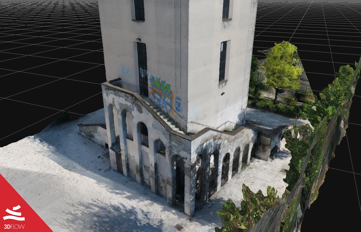 Geometria 3D della mesh (a sinistra) e texture (a destra) della base. © DL Droni Srl