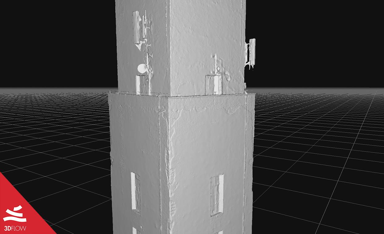 Geometria 3D della mesh (a sinistra) e texture (a destra) delle facciate. © DL Droni Srl